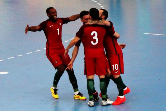 Portugal entra a vencer na qualificação 3025501d9de49