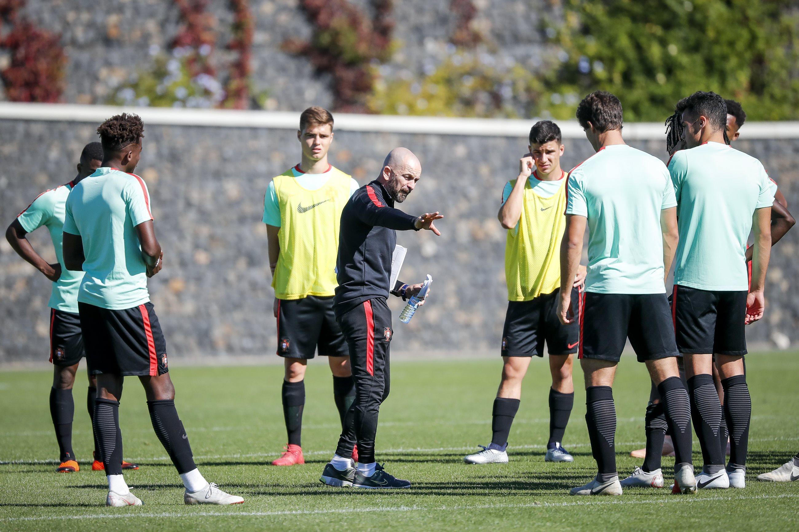Seleção Sub-19 - Futebol Masculino  d2858befefc16